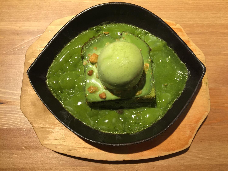 抹茶 鐵板 鐵板抹茶熱蛋糕 波波波 Sweet Matcha Green Tea Powder Hot Cake in 和茗甘處 Taipei