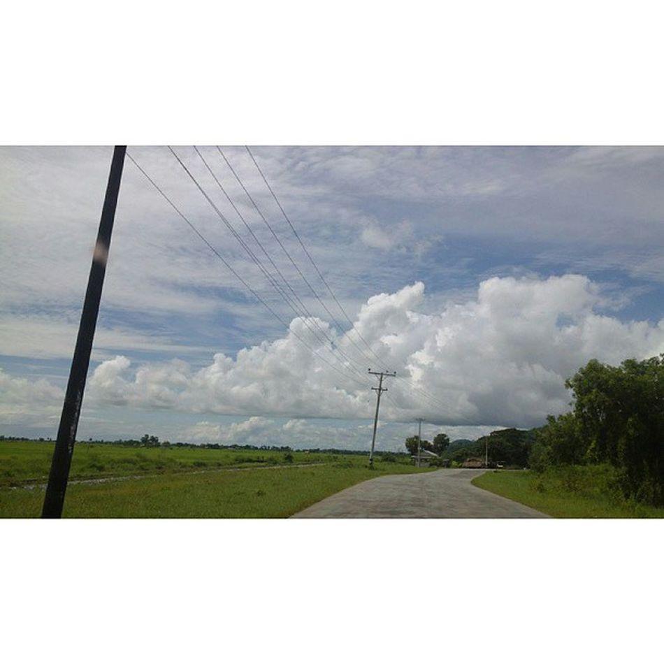 ခရီးသြားမိုးတိမ္ Jipsy Cloud Clouds Sky instatravel travelphotography travelgram myanmar igersmyanmar roadtrip