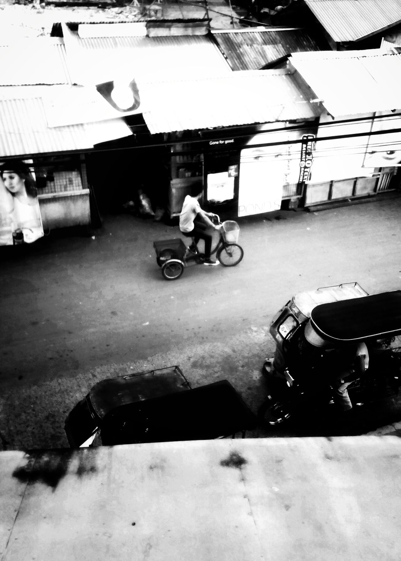 Top View Biking Black And White Street Photography Old Market Agora Stall Happiestplaceonearth After Fire BestEyeemShots First First Eyeem Photo Photography Go Travel Journeyphotography Capturing Freedom Capturing Movement Capture The Moment Leading Lines Learn & Shoot: Leading Lines Capturing The Moment Relaxing Afternoon Afternoon Walk
