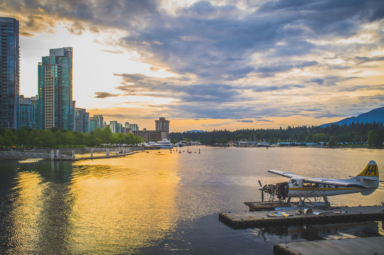 Best city in the world! Vancouver in Canada! Amazing Amazing Architecture Amazing View Architecture Beautiful Bestcity Bestcityintheworld British Columbia Britishcolumbia Canada City Cityscapes Floatplane Floatplanes Fujifilm Fujifilm_xseries Kanada OceanCity Street Photography Streetphotography Sunset Vancity Vancouver Vancouver BC Wasserflugzeug