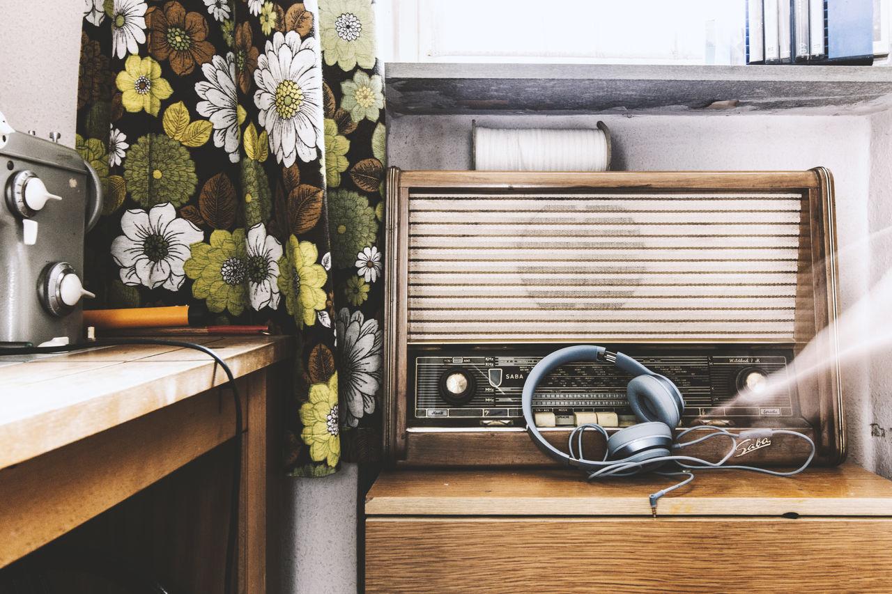 Dj EyeEm Best Edits Eyeemphoto Headphone Home Interior Home Sweet Home Music Old Oldie  Radio Rock And Roll Analog Lieblingsteil