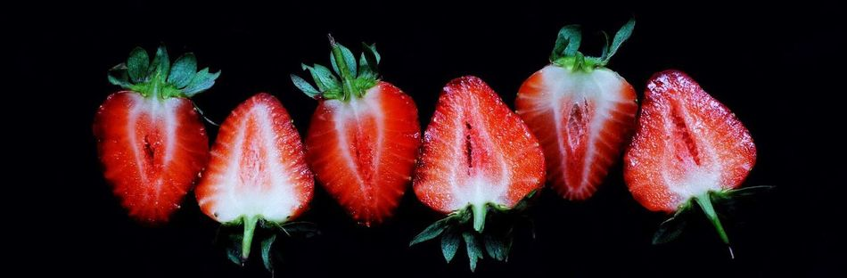 Canon Studio Photography Close-up Berrys Strawberry Fruit Red Black Background Healthy Eating