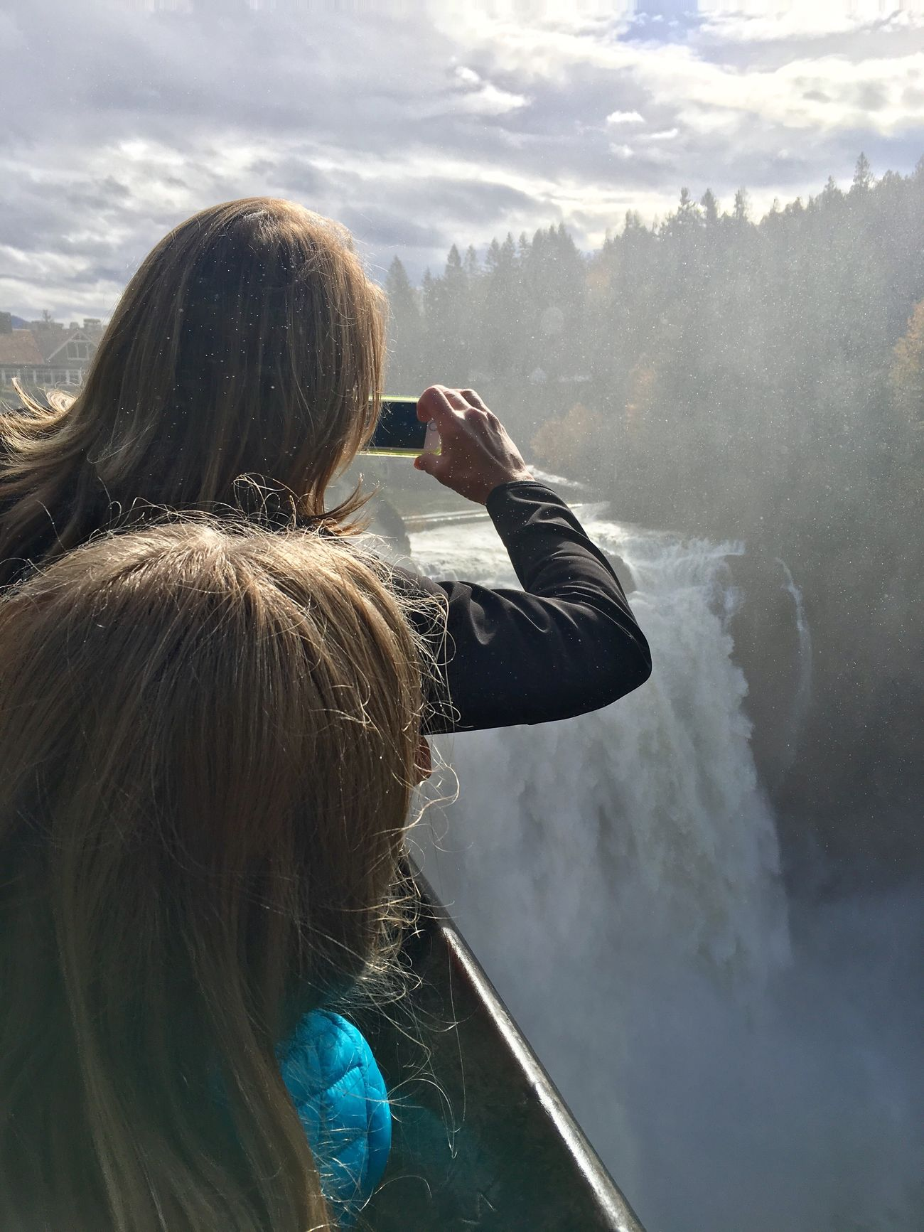 Water Outdoors Nature Seattle Gamble I Phone Waterfall Falls Snoqualmie Falls People Taking Photos People