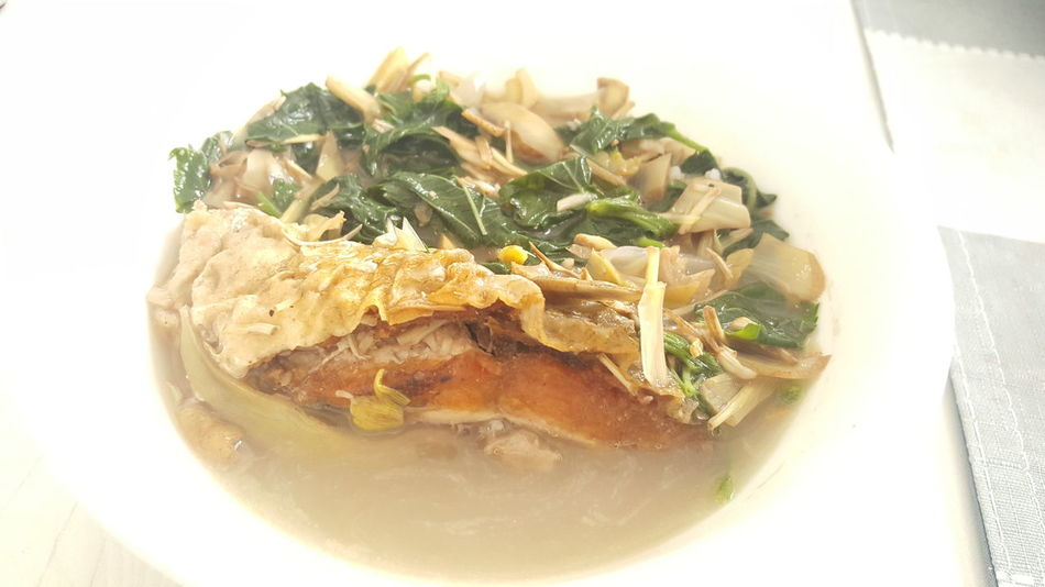 a native Filipino dish of Ilocanoes from Ilocos/Pangasinan Region. Fried fish + Vegetables (Saluyot or Nalta jute) + Bamboo shoots or Labong in Filipino and other spices Yummy and Nutritious! :) Dinegdeng Filipino Dish Filipino Food Fish + Vegetables Ilocano Special Ilocanos Pride Philippines Yummy Food