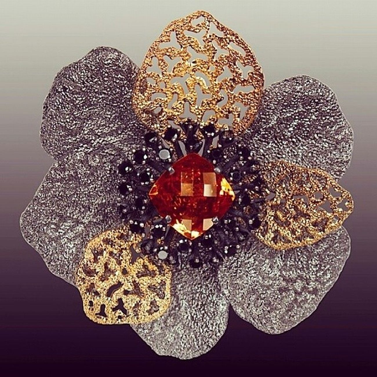 Luks Mücevher markaları dısında Tasarımcı markaları da cok Yaratıcı ve Populer su sıralar 👍Regram from @alexsoldierjewelry Coronaria Flower brooch meticulously detailed with signature Metalwork . Handmade in NYC . May your life be filled with beautiful Flowers ! Flowers Masterpiece Newyork Alexsoldier Obsession Instagramers Jewelryblog Blogger Fashion Fashioninsta Jewellery