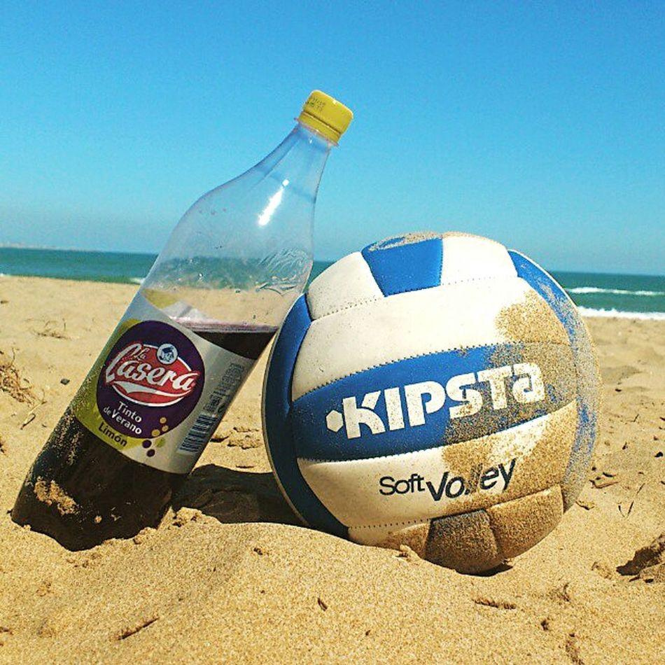 Voley Voleyball Voleybol Botellas Botella Botellas De Vino La Casera Playa Playa #beach Playa♡ PLAYASDEALICANTE Arenales Del Sol Sol Calor Calor!!! Caloret Caloretdelverano