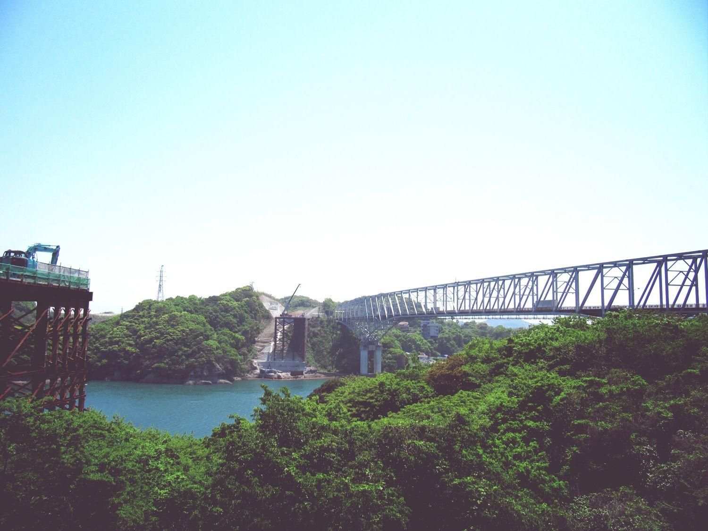 三角瀬戸に架かる天門橋。新橋を建設中。
