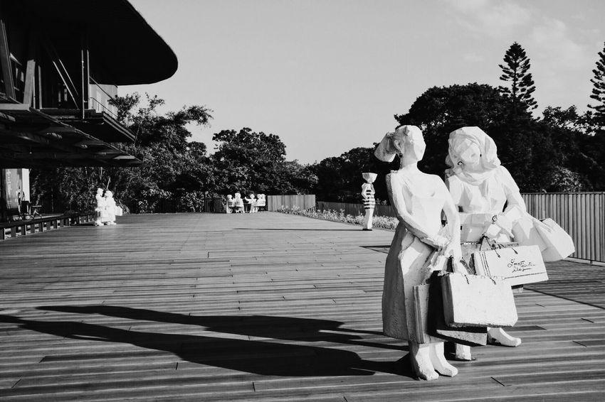 Dramatic Angles 3-3 Canon Canonphotography VSCO Vscocam Blackandwhite Black & White Statue Sculpture Cloudgate Monochrome Photography