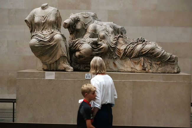 Acient Beauty Where Did It Go? The Headless Woman, and Her Friends . No Arms Around Acient Sculture Hellenistic  . British Museum . London