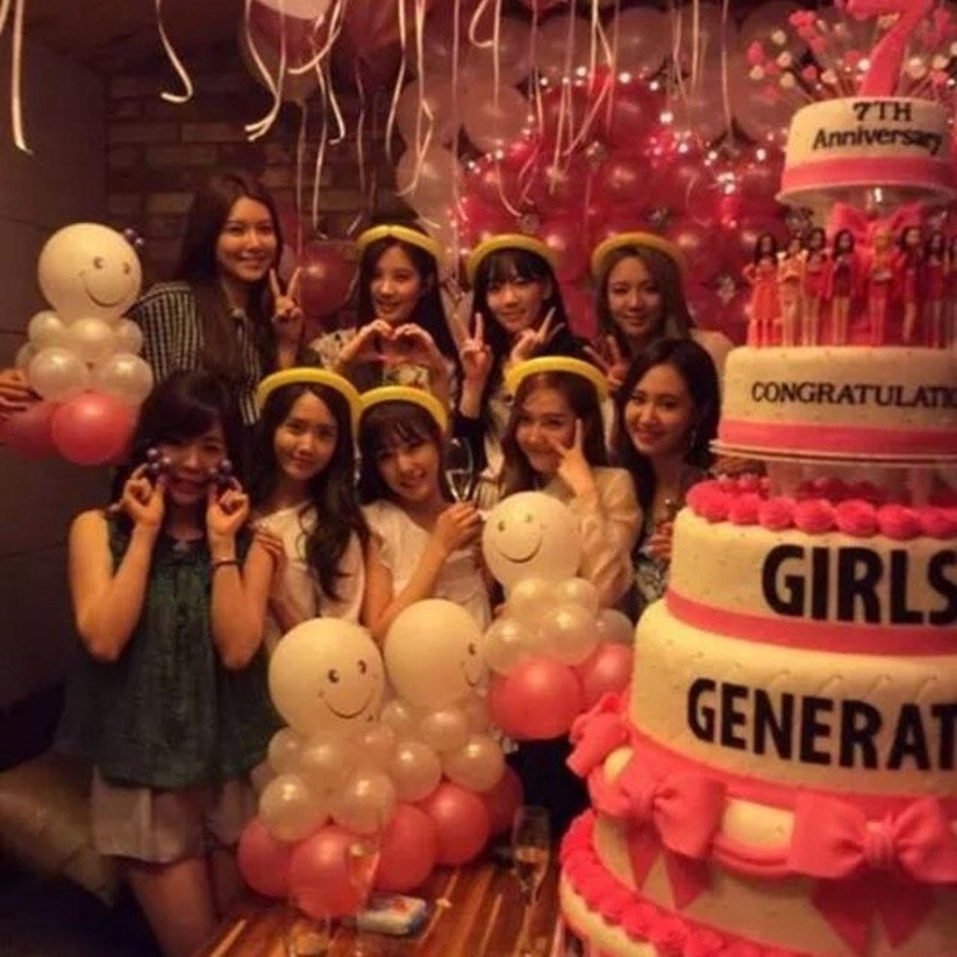 Happy7thAnniversary SNSD :* .. Hopefully long life, Many of his Fans, Mutual affection, and pity for S♡NE .. I LOVE YOU :* Happy7thAnniversarySNSD SNSDBirthday Taeyeon Jessica Sunny Tiffany Hyoyeon Yuri Sooyoung Yoona Seohyun SONE Indonesia