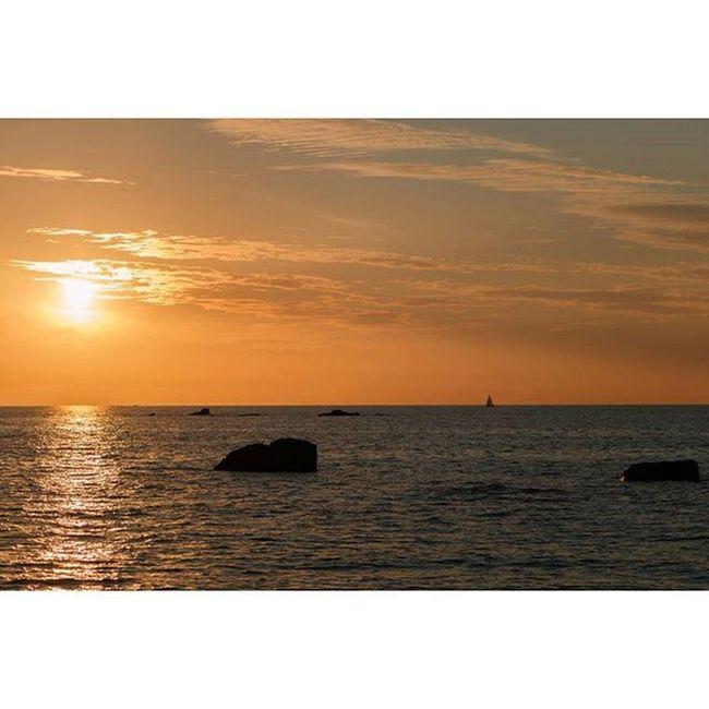 Sunset at the Sillon de Talbert. Sillondetalbert Pleubian Brittany Bretagne France Ocean Sun Sunset Rocks Sail Sonnenuntergang Sonne Meer