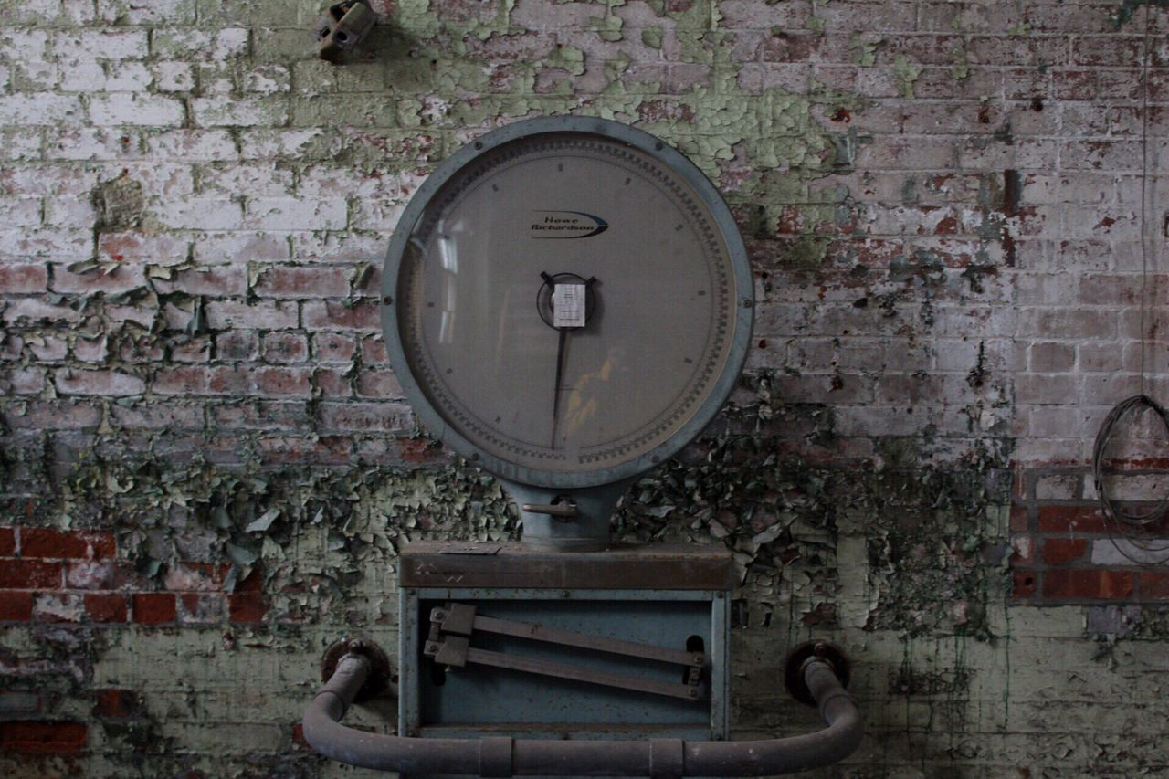 •Scales• Scale  Abandoned Paint Decay Old-fashioned EyeEmNewHere