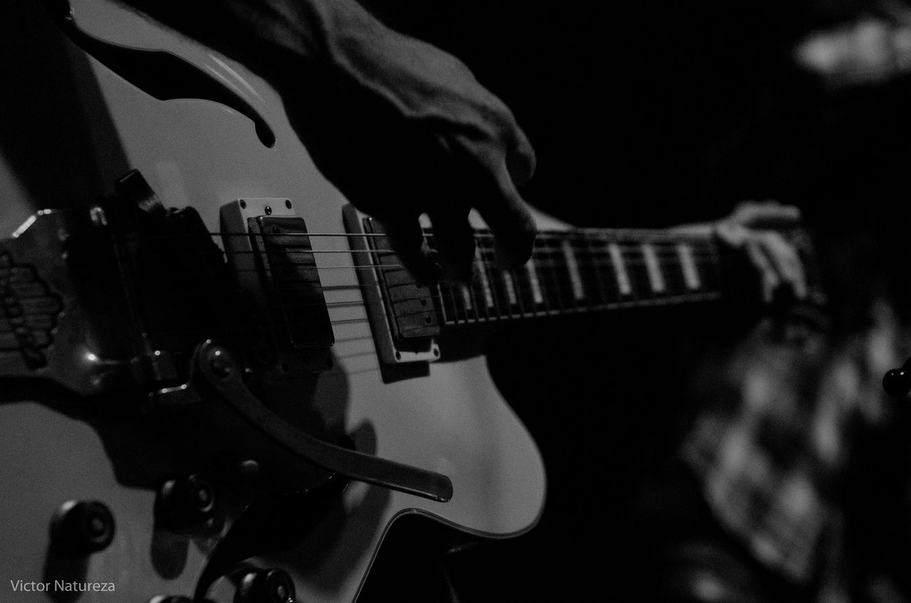 Desfoque Foco Music Show Luz Sombra Victornatureza Rock Vitaonatureza Musica Olharnatural Pretoebranco Pb Thebrisantinos