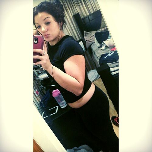 I feel like I'm getting FAT :/ Nobueno Backtothegym Nogame 30 pounds or less is my goal..