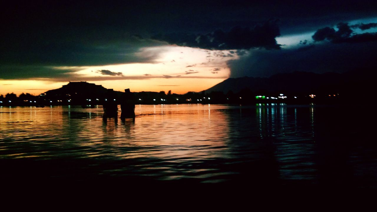 Reflection Cloud - Sky Sunset Water Sky Beauty In Nature Lake Dramatic Sky Outdoors Nature Tree Mountain Scenics Night JammuandKashmir Kcphotography Vacations Tranquility Calm House Boats Boat Shikara