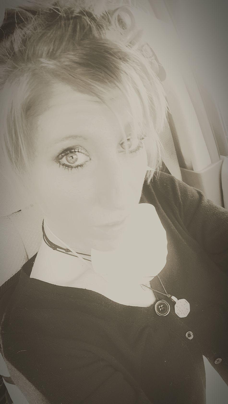 Back for 2nd app today... 😷👅 Everyday Is A New Day, Be Grateful WelcometomyWorld ❤💜 Averagedayatmydocs! Kaiser SurvivingisFighting EyeEm BlackandWhite B&W Portrait Myhomeawayfromhome