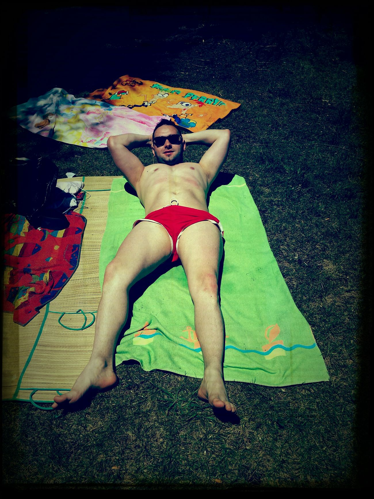 Enjoying The Sun ...primer día de sol...que blanquitoooooo!!!???