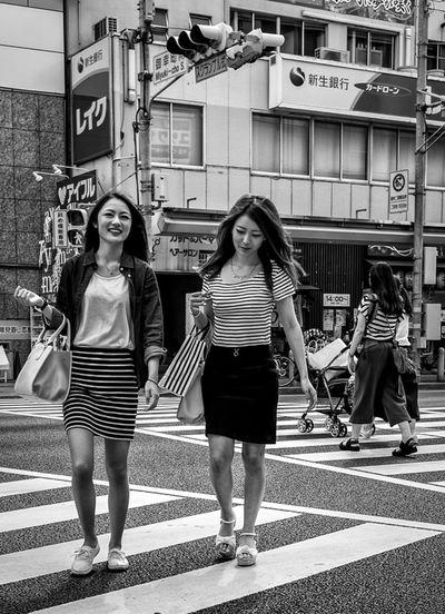 Lines Japan Japanese  Streetphotography Streetphoto_bw Blackandwhite Monochrome Women Street Fashion Fashion FujiX100T