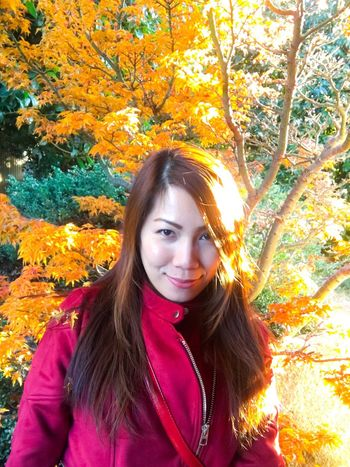 Autumn won't let you fall. 😁😁😁 Autumn Leaf Long Hair Tree Young Women Nature Change Portrait Smiling Beautiful Woman Leisure Activity Looking At Camera Self Portrait Nature Photography Naturelovers Fall Beauty Fall Fall Colors Fashion Photography Fashionista Fashion Zara Suede Leather Leather Maple Leaf