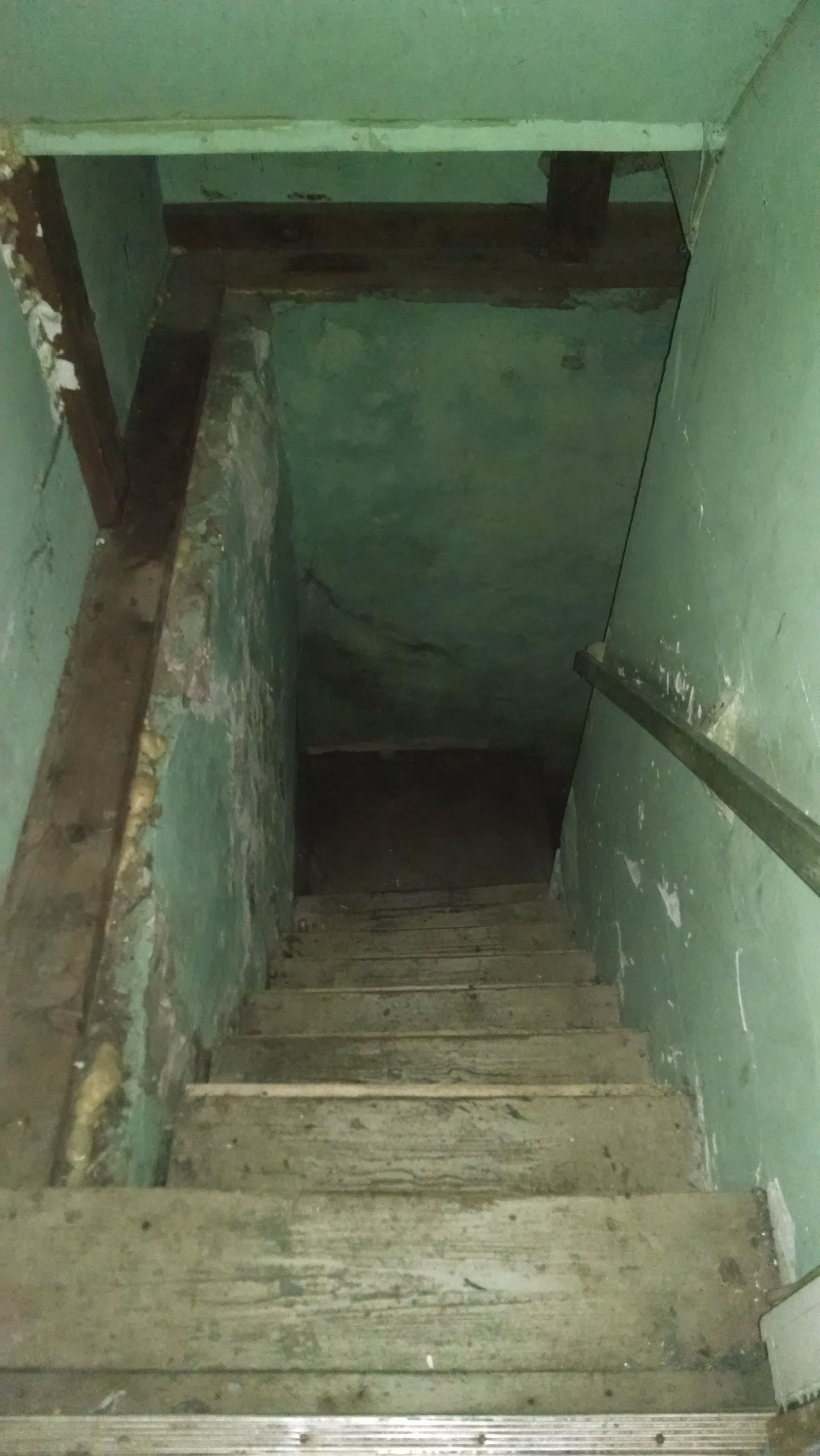 built structure, architecture, steps, staircase, steps and staircases, railing, abandoned, building exterior, indoors, low angle view, old, building, wall - building feature, wood - material, damaged, house, stairs, sunlight, run-down, weathered