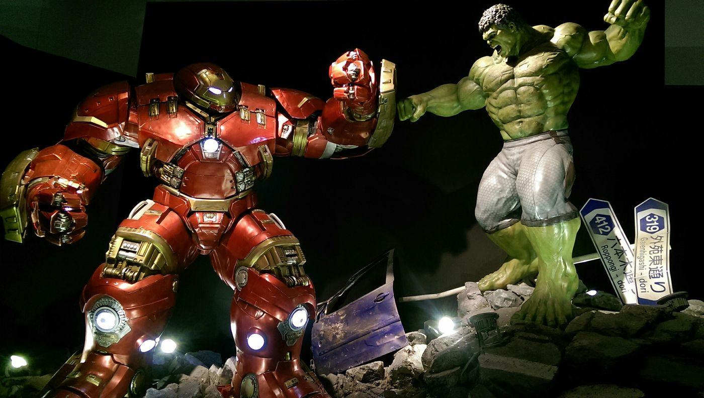 Marvel Hot Toys Taking Photos Avengers2 Ironman Hulk