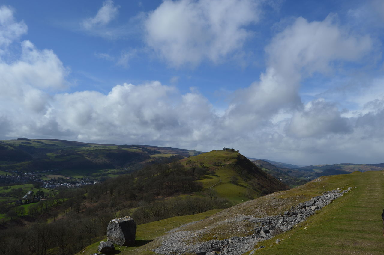 Here Belongs To Me Wales Llangollen Hillfort Landscape Hill Top View Easter Sunday Days Out No Filter, No Edit, Just Photography Green Clouds And Sky Sky Porn Spring A Walk On The Hills Landscapes With WhiteWall