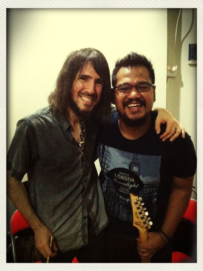 After years of waiting, finally got a chance to met this guy! Bumblefoot Hanging Out Enjoying Life Music