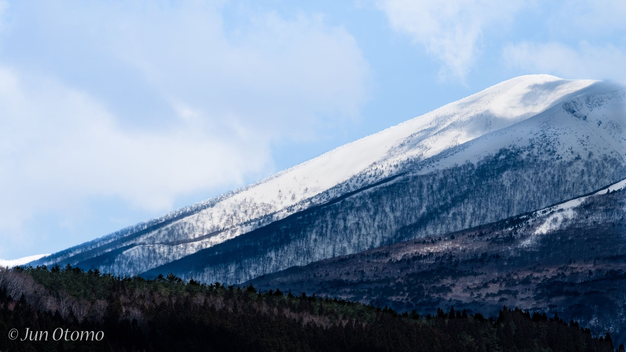 mountain, sky, snow, nature, snowcapped mountain, tranquility, cloud - sky, cold temperature, winter, outdoors, mountain range, beauty in nature, no people, scenics, day, tranquil scene