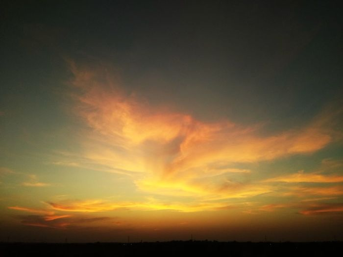 sunset Sunset Dramatic Sky Scenics Nature Silhouette Orange Color Beauty In Nature