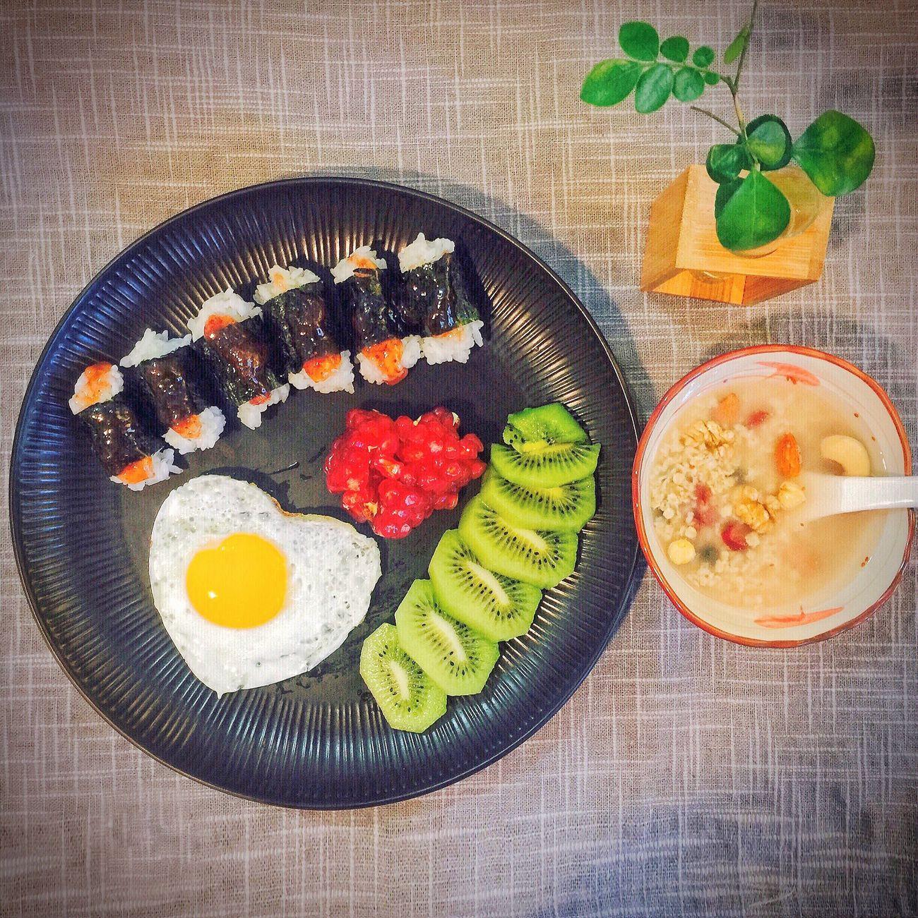 【❤️】中餐就吃紫菜包饭吧 😜 春子私房菜 一个人生活 手机摄影 美食 午餐 早餐
