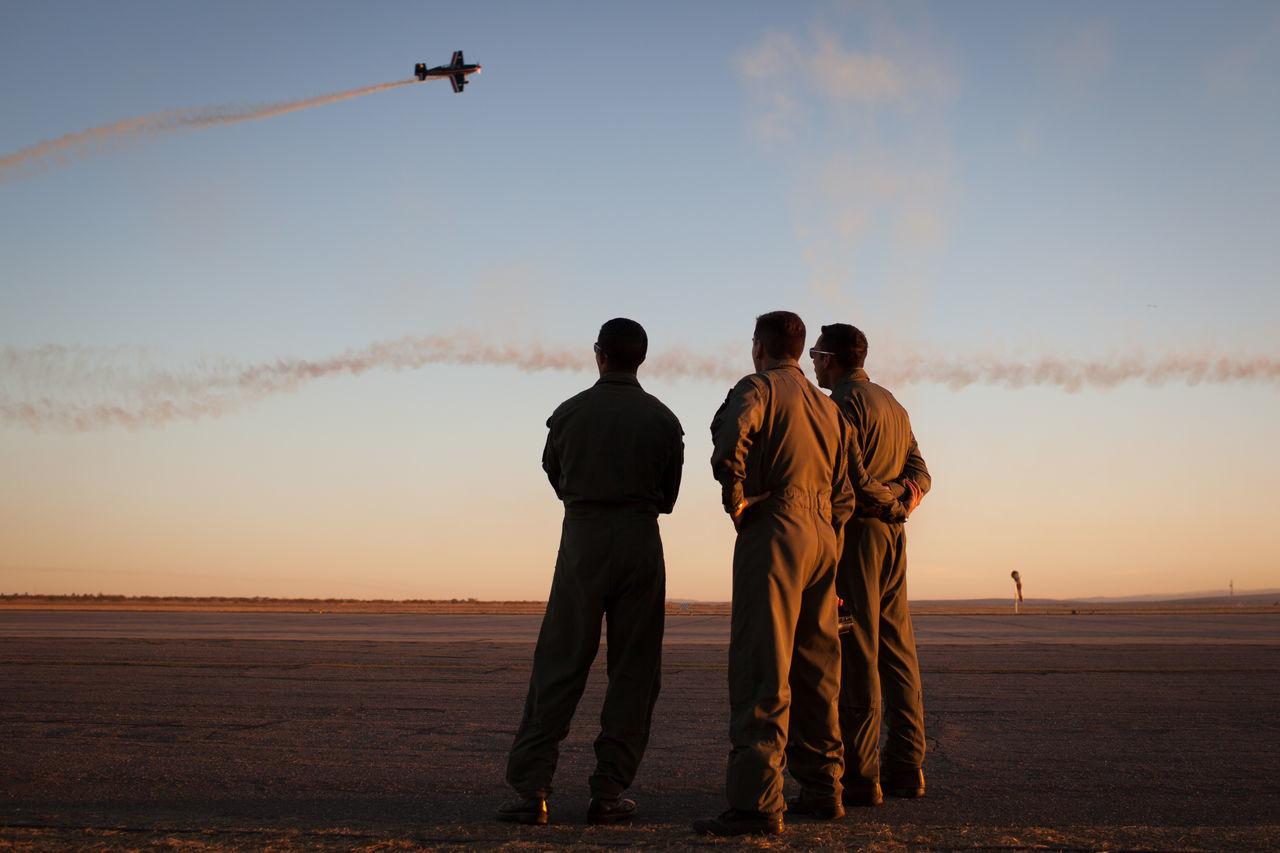 Beautiful stock photos of flugzeug, war, men, adults only, teamwork