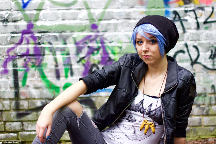 Outdoors Cosplay Chloe Cosplaygirl Brick Wall Grafitti Woman Girl Beautiful ♥
