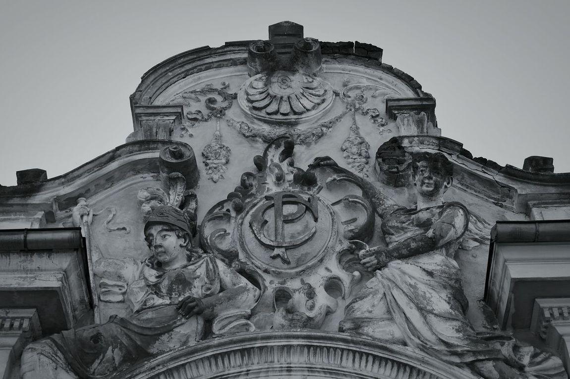 Close-up Braila History Building Sculpture Angels Old Sculpture