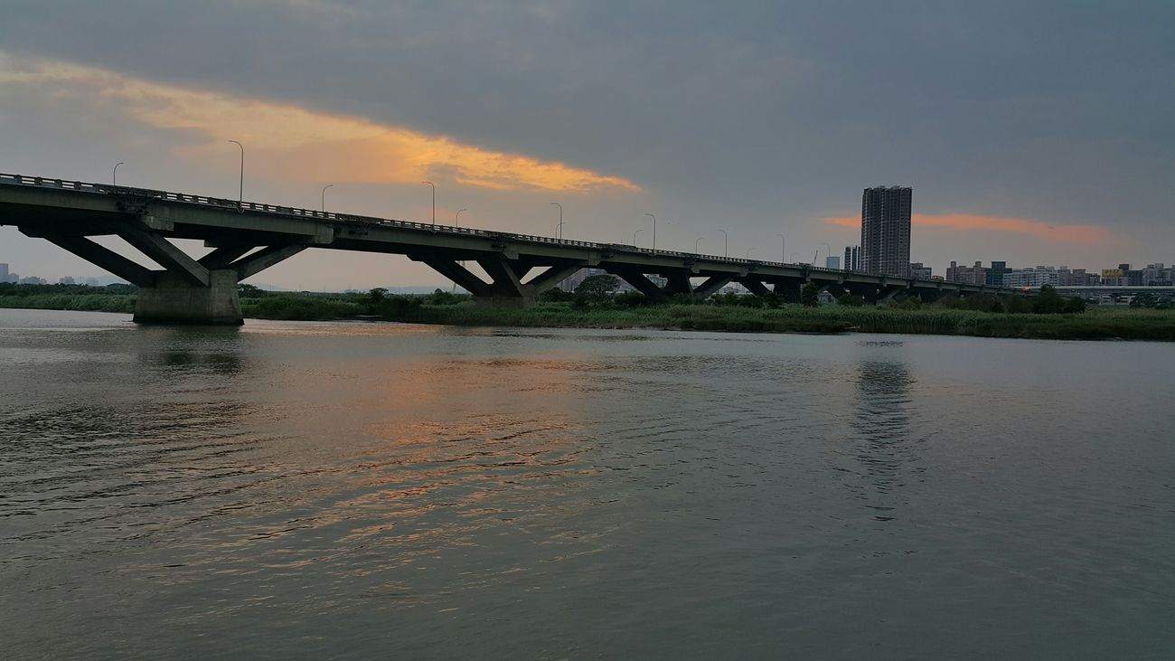 Memories waves Sunset Taipei Taiwan The View And The Spirit Of Taiwan 台灣景 台灣情 Tamsui River River Reflection Water Reflections