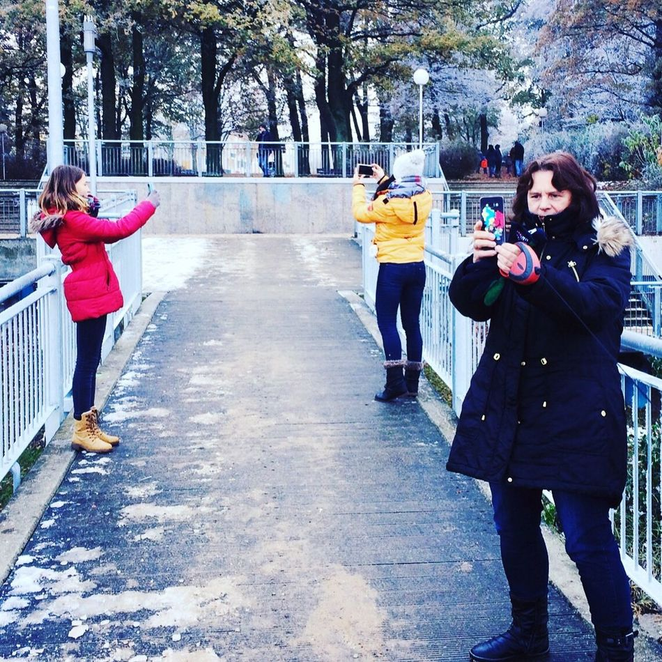 Ostsee Weekend Family Handy Digital Art Funny Conversations :) Wismar Winter Seebrücke
