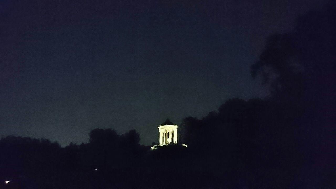 Sightseeing Taking Photos Tourists Nightphotography Architecture Enjoying The View SummerNights Enjoying Life Sony Xperia Z3+