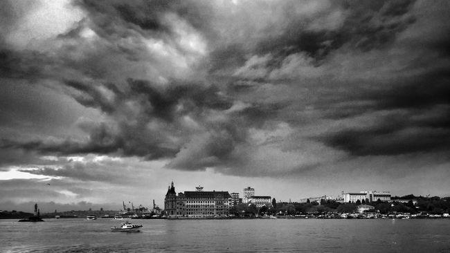 Haydarpaşa Garı Haydarpasa Train Station Haydarpasa Istanbul Blackandwhite Cloudporn Clouds And Sky Clouds