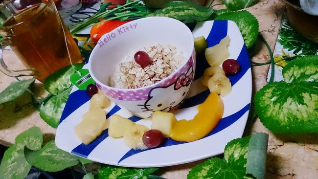 Food Porn Awards Helthyfood Fruitsalad Oat Flakes Honey Green Tea Green Leaves Healthylife Colors Everywhere Yummy♡