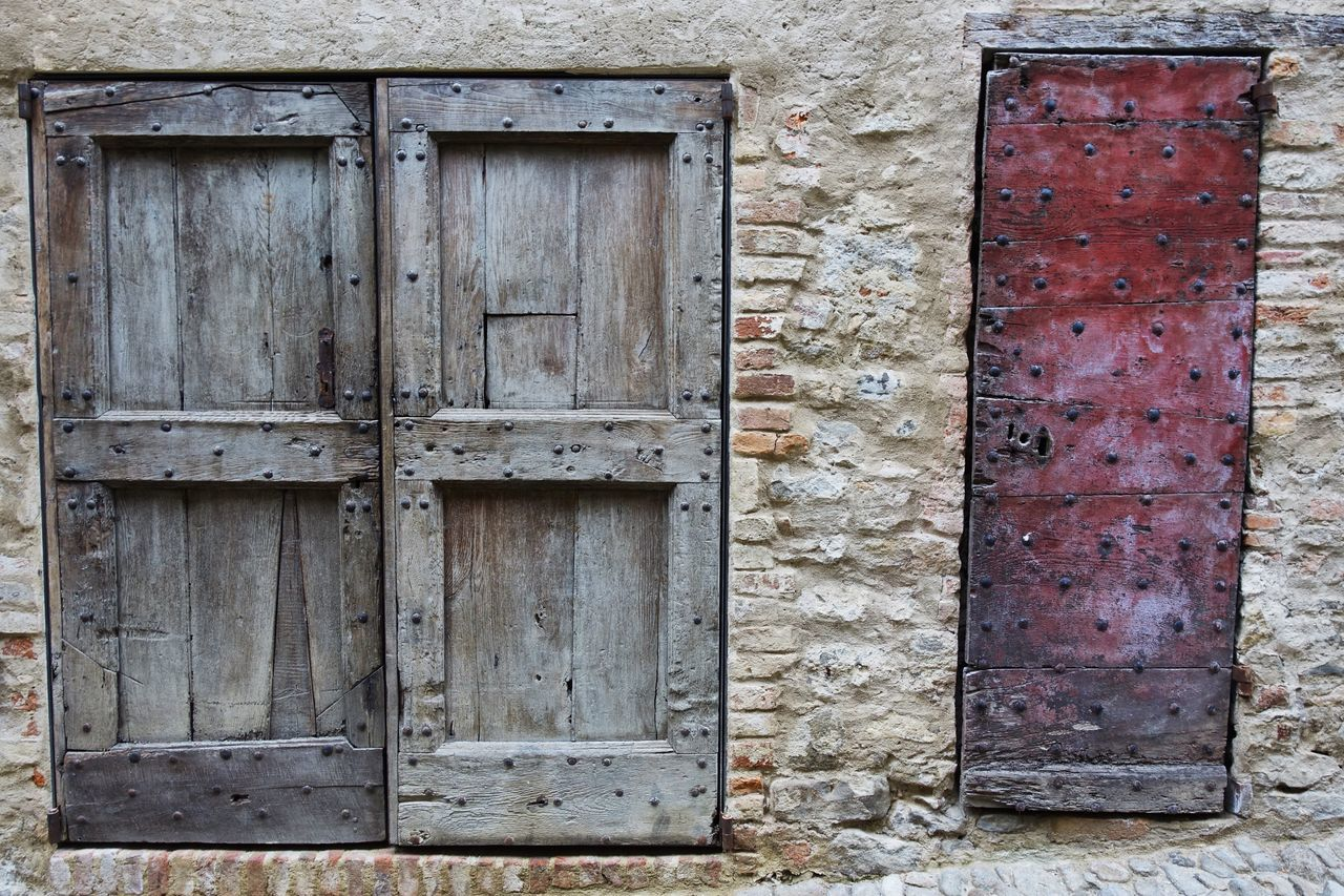 Door Built Structure Building Exterior Architecture Wood - Material Closed Outdoors Entrance Day Doorway No People Close-up EyeEm Best Shots EyeEm Gallery EyeEm Best Edits