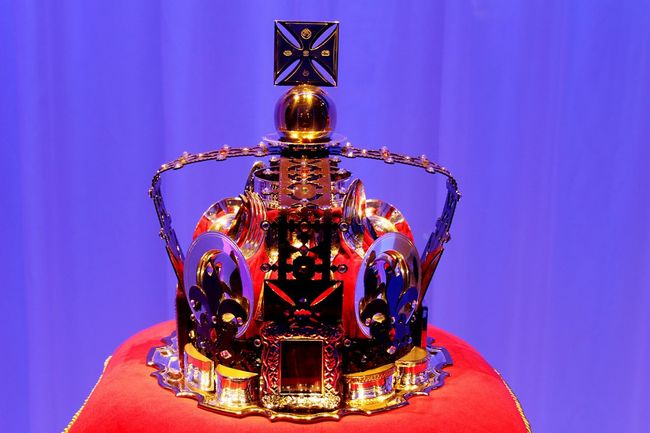 Carrs Window Shopping Harrods Crown Queen Queen Elizabeth  London Diamond Jubilee Decoration