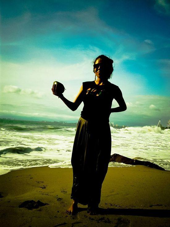 Tan vil como tu corazon Puerto Vallarta Mar Y Arena El Coco No Chica De La Playa
