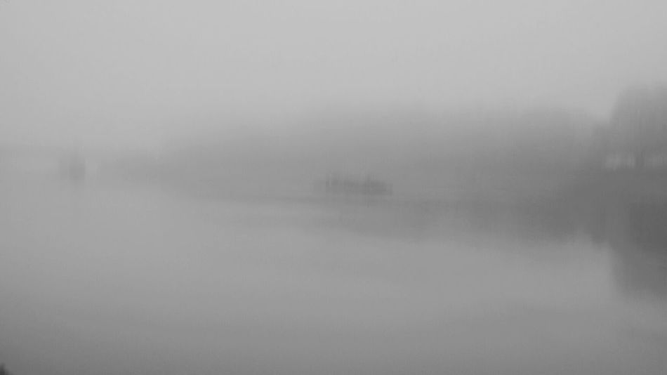 Thames Fog London Hazy  Outdoors Weather Mistery Painting