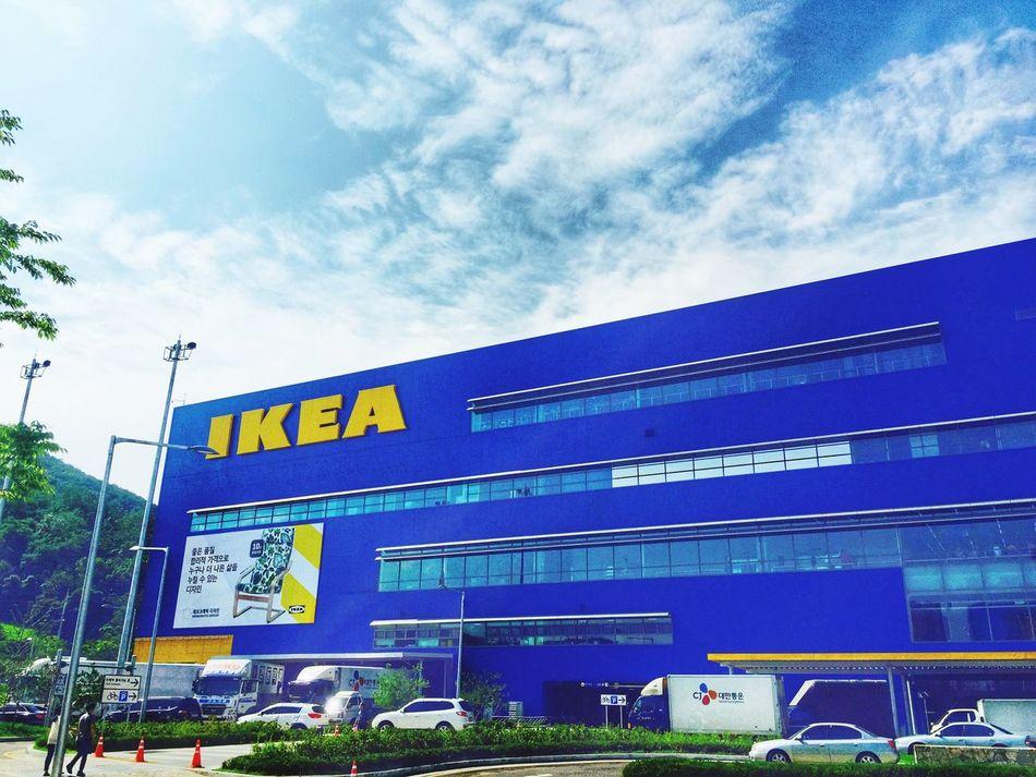 가구만큼 사람도 많은 IKEA