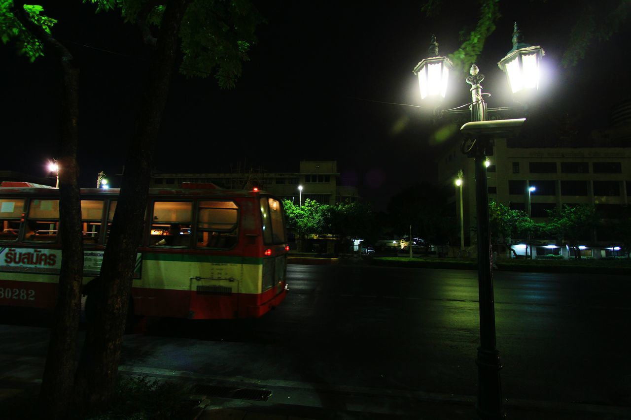 Bus in Bangkok Thailand Trip The Great Outdoors With Adobe Travel Photography Bangkok Thailandtravel Nightphotography Bus Stop