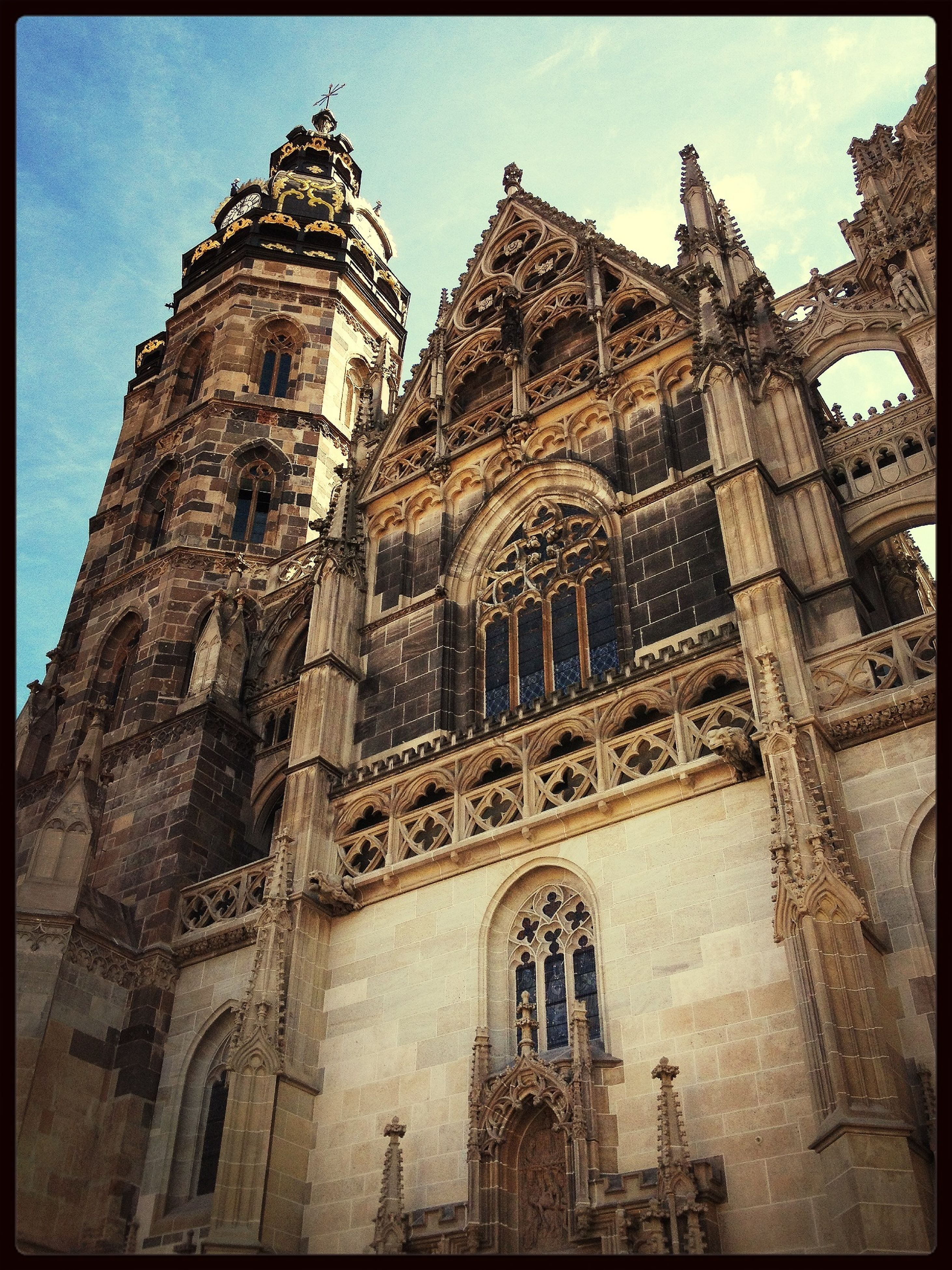 architecture, building exterior, built structure, low angle view, religion, place of worship, church, spirituality, history, cathedral, sky, transfer print, old, auto post production filter, famous place, travel destinations, tower, the past