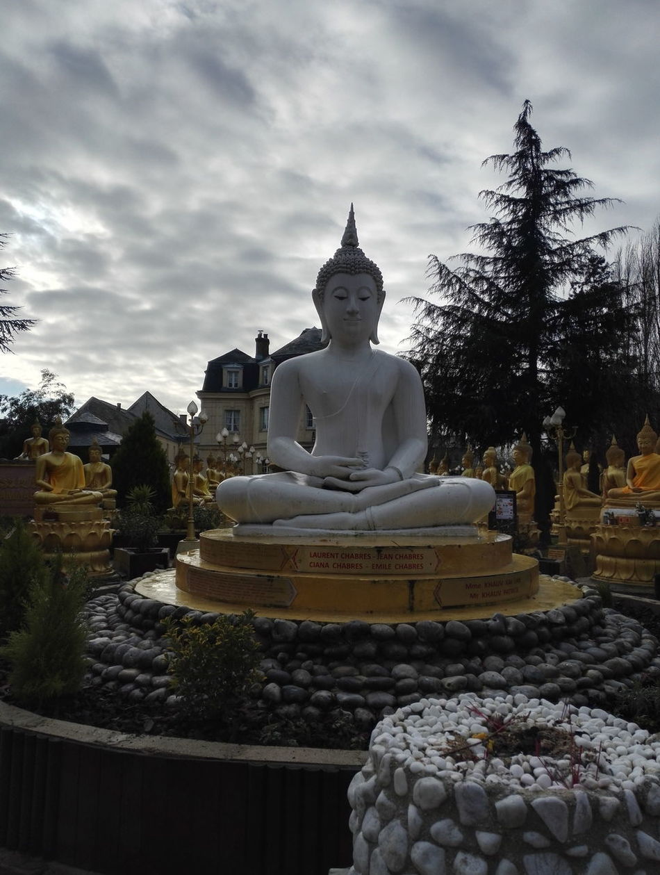 Temple bouddhiste a Moissy Cramayel First Eyeem Photo Bouddhist Temple