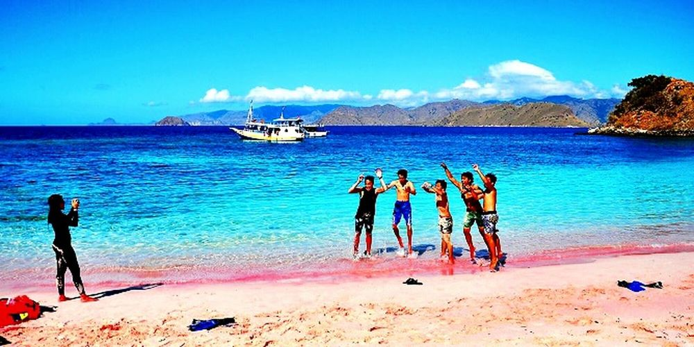 Hello World Beautiful Nature Beautiful View Pink Sands Colour EyeEm Nature Lover Lombok Timur Tangsi Beach Visit Indonesia