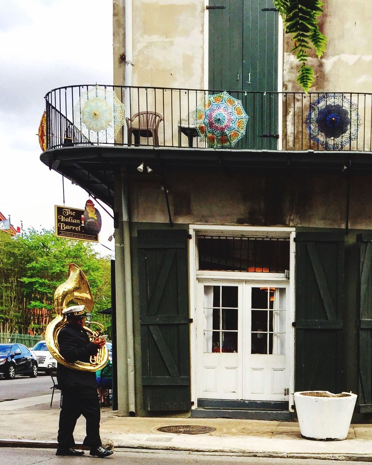 The Street Photographer - 2017 EyeEm Awards Architecture Real People Portrait Frenchquarter Music Jazz Jazz Music Frenchhorn Tuba Brass Streetphotography The Street Photographer - 2017 EyeEm Awards