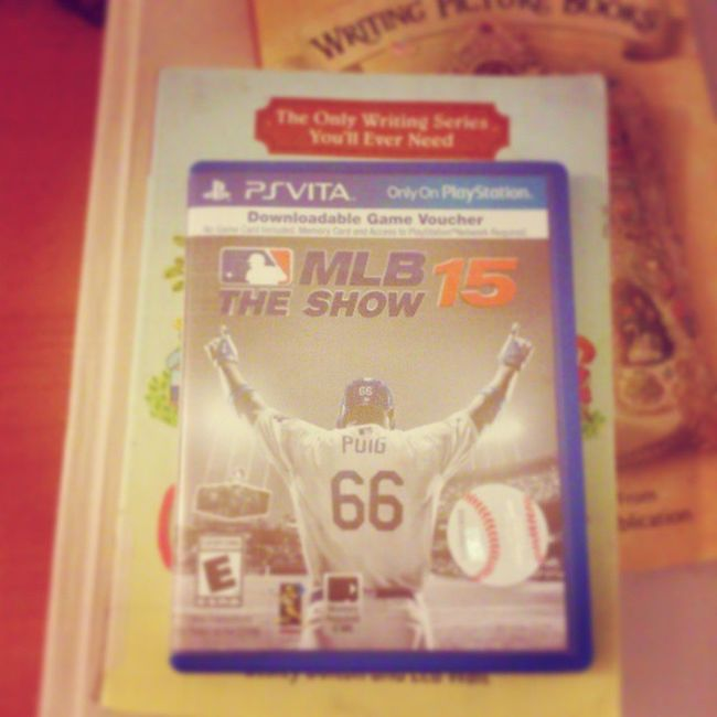 Actually decided to rebuy it after i returned it last time. Just had To break my way into sports games again. Totally worth it. Theshow Mlb Psvitagames Gaminglife Digital Eastereggs in the background. :3 Unity3dgame