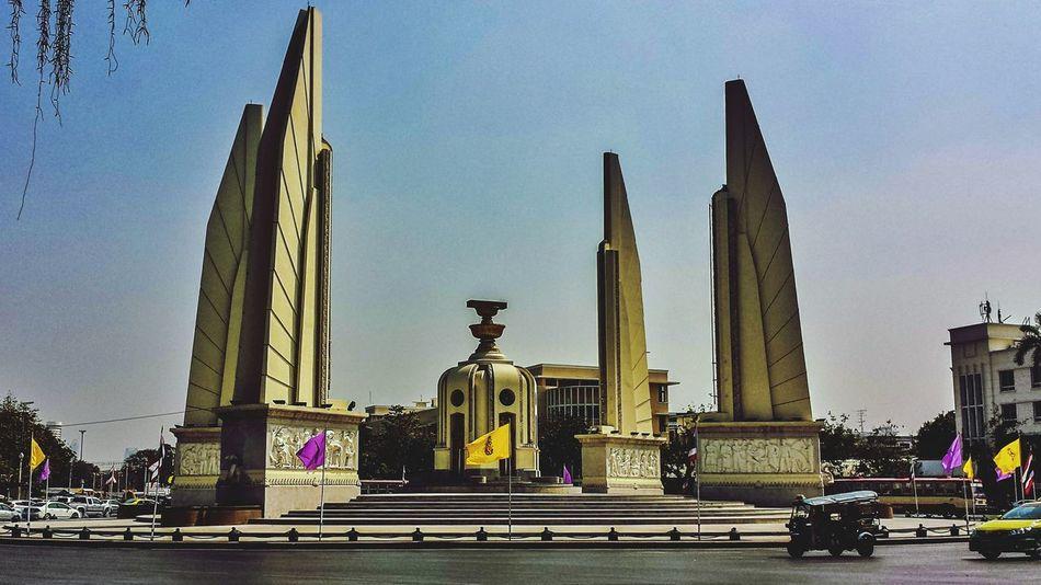 Thailand Bangkok Krung Thep Thai Southeast Asia ASIA Outdoors Statue City TukTuk Monument Democracy Monument Democracy Ratchadamnoen Phra Nakhon Cityscape Street